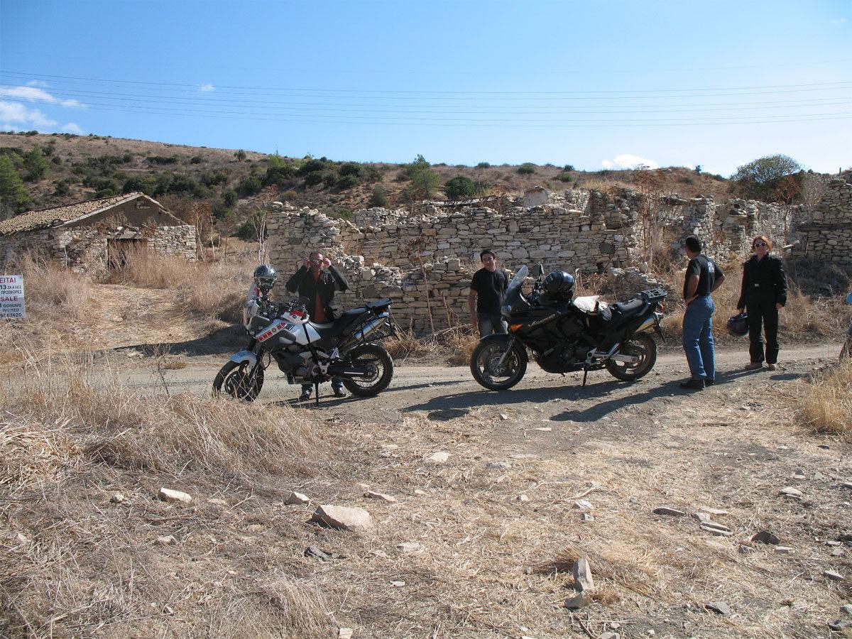 Πετρόχτιστα, εγκαταλελειμένα σπίτια στην Κύπρο