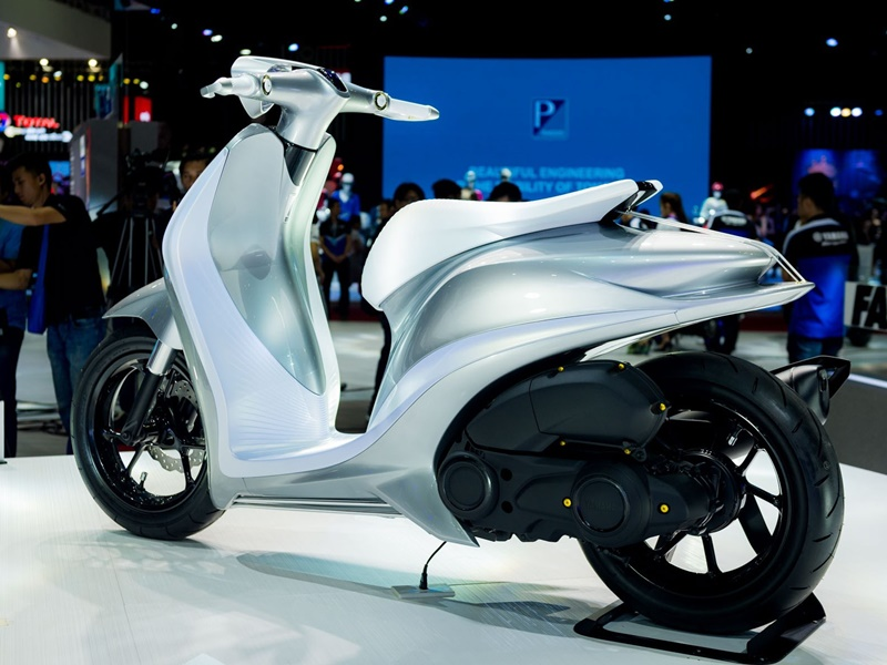 Yamaha Glorious 155 Concept side