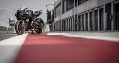 Triumph Daytona 765 Moto2 Aragon Test 4 - BT