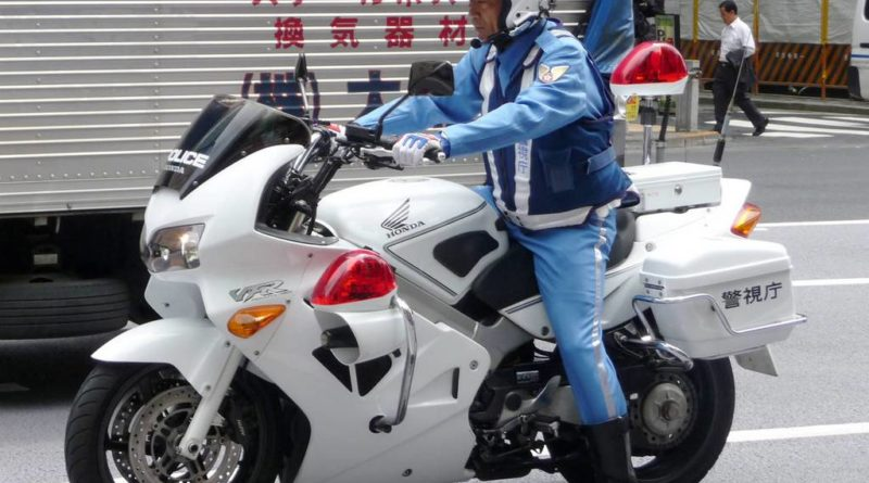 unbelievable riding japanese police riders