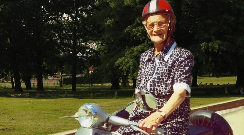 Luisa Zappitelli Vespa 106 years old lady riding